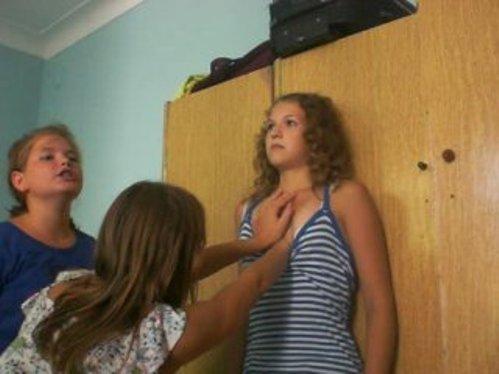 Школьники увлеклись опасными играми. Душат друг друга, чтобы терять сознание