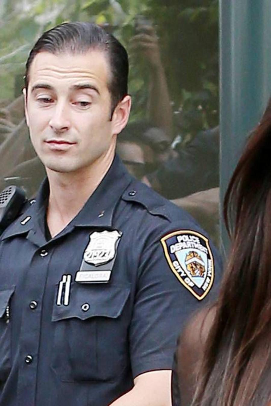 Полицейская с попой