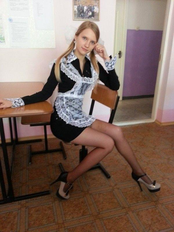 школьная форма на обнаженной девушки