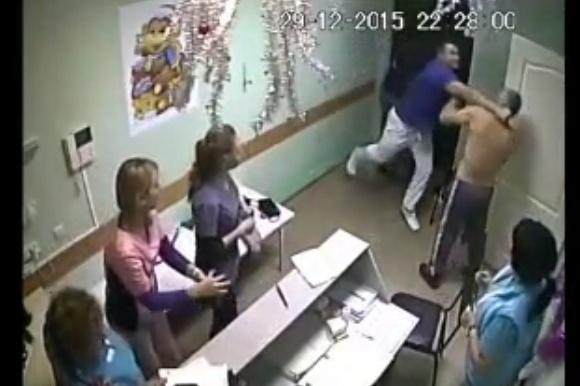 Медсестра захотела пациента видео