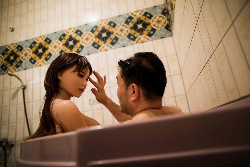 Секс с ремонтниками ванн 8