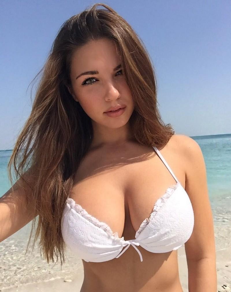 Elizabeth big boobs nude
