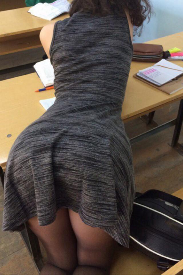 Ебет в платье раком, начальница лесбиянка в офисе порно